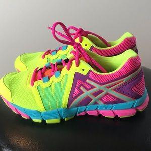 Women's ASIC Tennis Shoes- 6.5